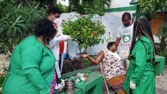Haití. Colaboradores cubanos brindan atención médica en zonas afectadas por el terremoto