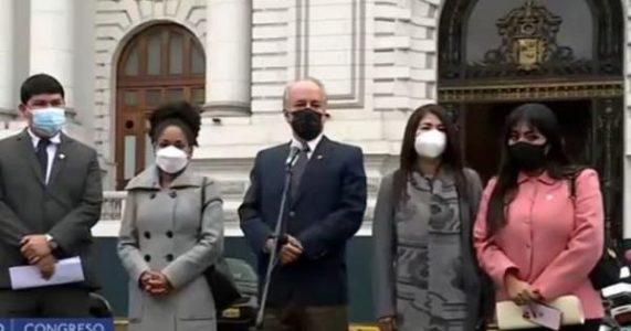Perú. La oposición: del chantaje al golpe