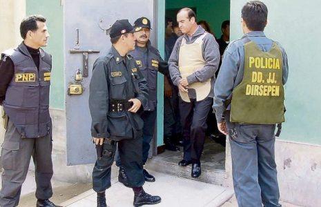 Perú. El corrupto y criminal Vladimiro Montesinos ya está en la prisión Ancón II y se evalúa traslado de su colega en fechorías Alberto Fujimori