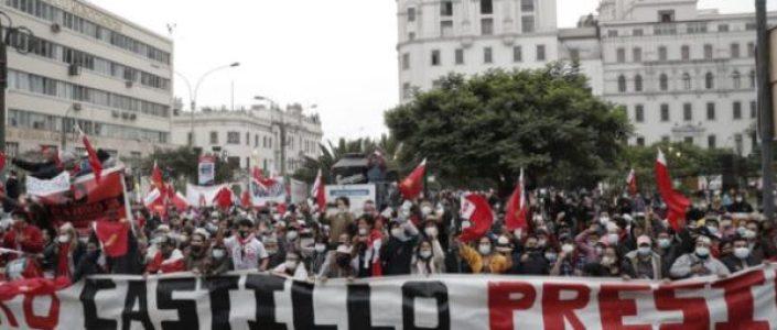 Perú. Organizaciones marchan contra los ataques a Castillo