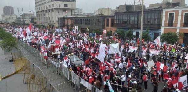 Perú. Nuevamente miles salieron a las calles a manifestar su respaldo al Presidente Pedro Castillo