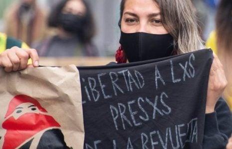 Chile. Valparaíso: Festiva movilización por la libertad de lxs presxs políticxs de la Revuelta (fotoreportaje)
