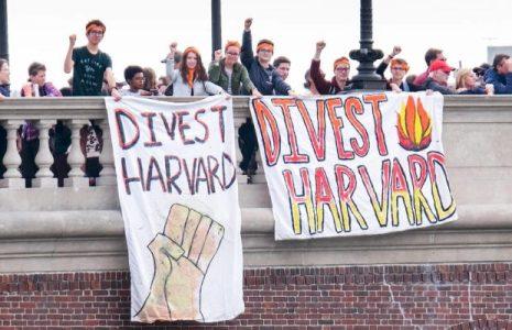 Estados Unidos. La Universidad de Harvard dejará de invertir en combustibles fósiles después de una larga campaña de presión por parte de estudiantes