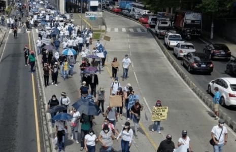 El Salvador. #El15Marchamos: Miles de personas marcharon contra Bukele en la capital