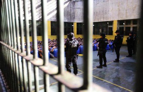 Brasil. Los policías militares son responsables del 85,6% de los ataques a presos en Río, dice Defensoría
