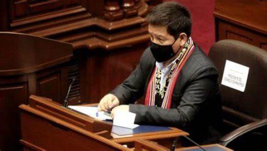 Perú. Oposición pide remover de su cargo a Guido Bellido por sus declaraciones sobre gas de Camisea