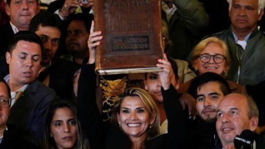Bolivia. Jauregui: Exministros que firmaron decretos para compra irregular de gases lacrimógenos deben ser procesados