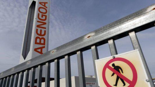 Abengoa amenaza con trasladar su sede a Valencia