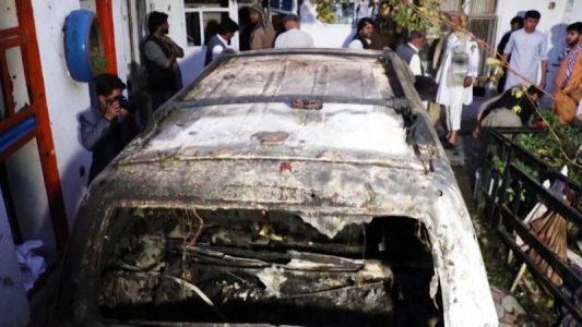 Afganistán: No encuentran pruebas de que hubiera explosivos en el vehículo bombardeado por EE.UU. en el que murieron diez civiles