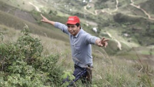 Argentina. En plena campaña por Pedro Castillo, el desconocido más