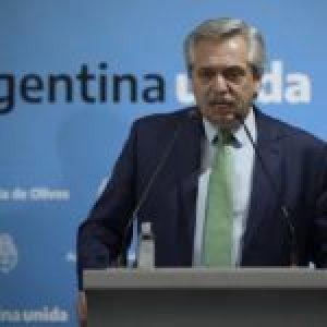 Argentina. Alberto Fernández a quienes violan la cuarentena por Covid19: «Si no entra con la razón, va a entrar con la fuerza»