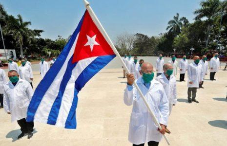 Argentina. Bienvenida a las y los médicos cubanos/ Testimonio de