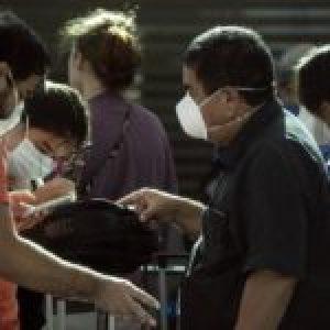 Argentina. CORONAVIRUS. Un virus que infectó toda la agenda oficial/ Coronavirus: un hombre incumplió la cuarentena y le pusieron consigna policial … (Más info)