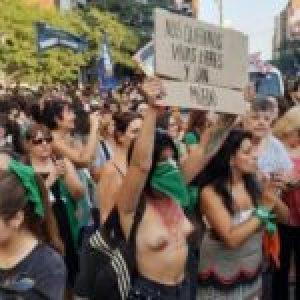 Argentina. El #8M en todo el país: «La deuda es con nosotras y nosotres» (Fotos)