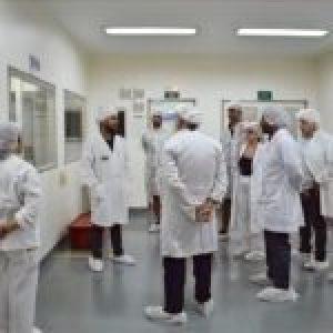 Argentina. Laboratorio recuperado producirá alcohol en gel a precios populares
