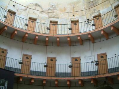 Autun_prison_cellulaire-1024x768
