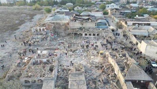 Azerbaiyán. Califica de crimen de guerra bombardeos contra Ganyá