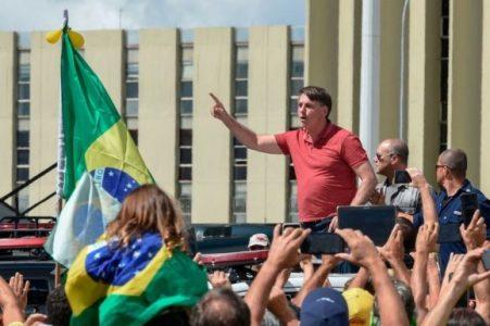 Bolsonaro participa en una manifestación a favor de un golpe militar – La otra Andalucía