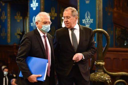 Borrell pide liberar Navalni y Rusia le reprocha los presos políticos catalanes