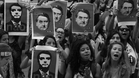 Brasil-Bolsonaro-Hitler-marcha-la-tinta