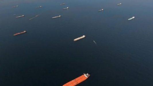 Buques petroleros se acumulan frente a California y Singapur con crudo que nadie quiere – La otra Andalucía
