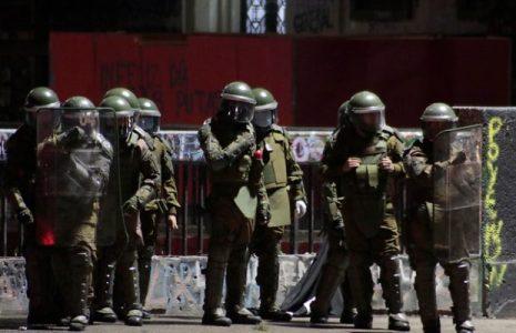 Chile. 15 dirigentes sindicales detenidos /Carabineros llevan a la Comisaría