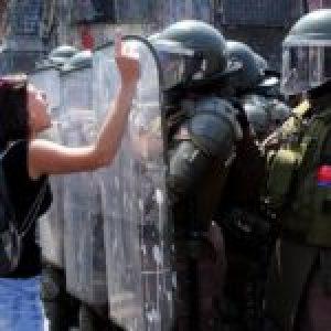Chile. 9M en Valparaíso con miles de trabajadoras y disidencias en lucha, fueron reprimidas (foto reportaje)