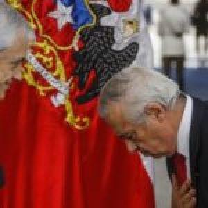 Chile. Funaron (Escracharon) a Piñera y el ministro Mañalich en la puerta de un hospital /Represión y varios detenidos