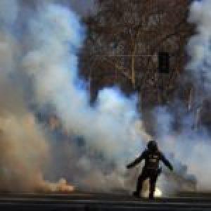 Chile. Joven aborta, después de ser la única detenida por la policía en la Villa Francia el 29 de marzo, Día del Joven Combatiente