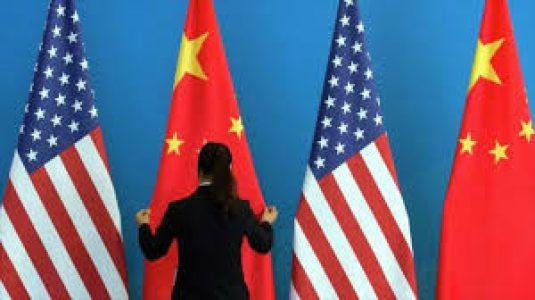China. Dice que se opone firmemente al 'diálogo político-militar entre