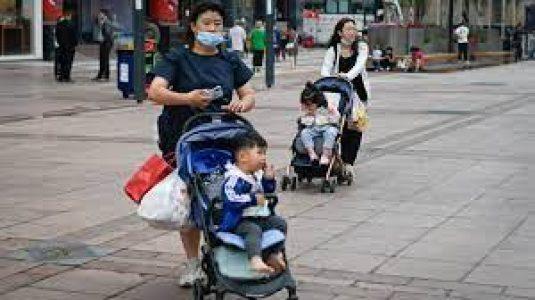 China. Política de tres hijxs para mejorar la estructura demográfica