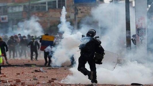 Colombia. Fuerte represión en un viernes donde miles de manifestantes