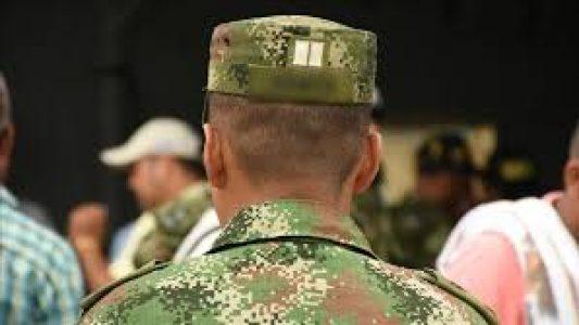 Colombia. Soldados señalan que apoyan la lucha del pueblo /Una
