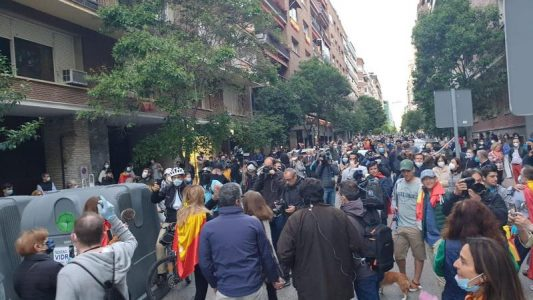 Cuando llevar una bandera de España te proporciona impunidad – La otra Andalucía