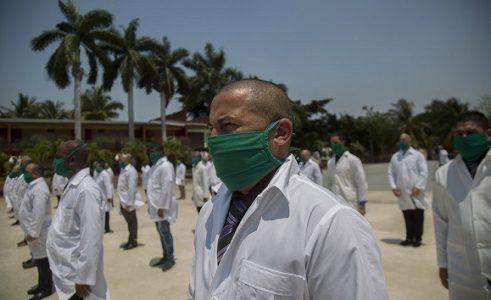 Cuba. Brigada médica cubana viaja a Sudáfrica para contribuir en