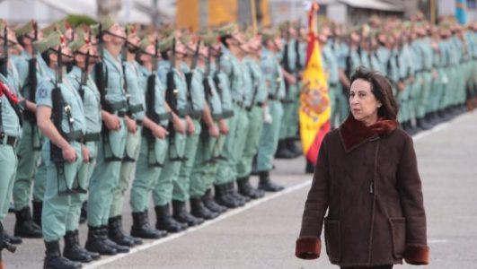 El Gobierno quita importancia a la presencia de fascistas en el ejército