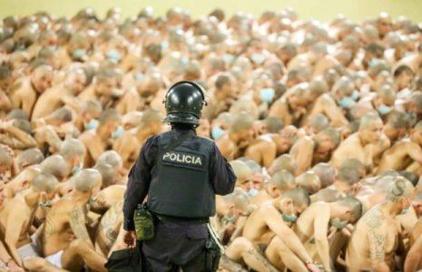 El Salvador. Hacinamiento extremo de presos en las cárceles del