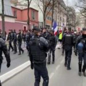 Francia. 'Chalecos amarillos' protestan en Francia pese a la prohibición del Gobierno por el covid-19