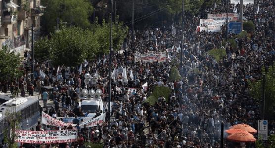 Grecia: Antifascistas celebran en las calles la decisión judicial contra «Amanecer Dorado» (vídeo)