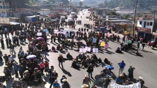 Guatemala. Organizaciones campesinas bloquean carreteras en protesta contra el Gobierno