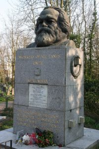 Highgate_Cemetery_-_Karl_Marx's_grave,_Highgate,_London