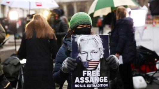 Internacional. Assange puede regresar a Australia cuando termine proceso legal