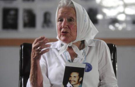 Las Madres de Plaza de Mayo recuerdan 43 años de