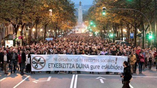 Miles-personas-piden-Bilbao-desahucio_TINIMA20121117_0256_5