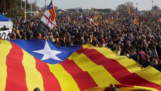 Unas 150.000 personas acuden a Perpiñán para aclamar a Puigdemont – La otra Andalucía