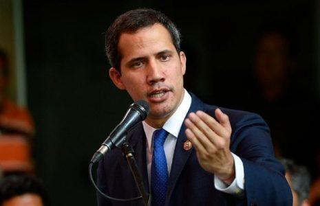 Venezuela. Aseguran que opositor Guaidó engañó a médicos al ofrecerles