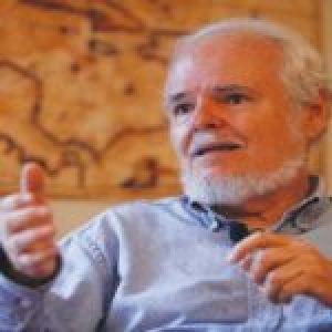 Venezuela. Luis Britto García exhorta a pueblos del mundo a defender la soberanía