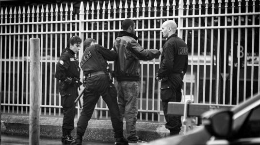 Contrôle de police à la gare de l'Est. Paris.